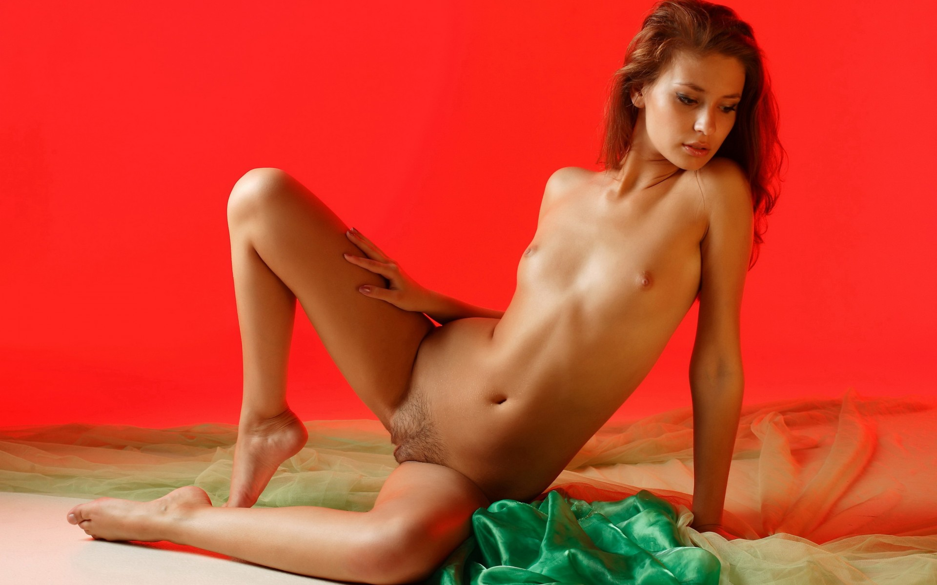 nude-model-young-fruit