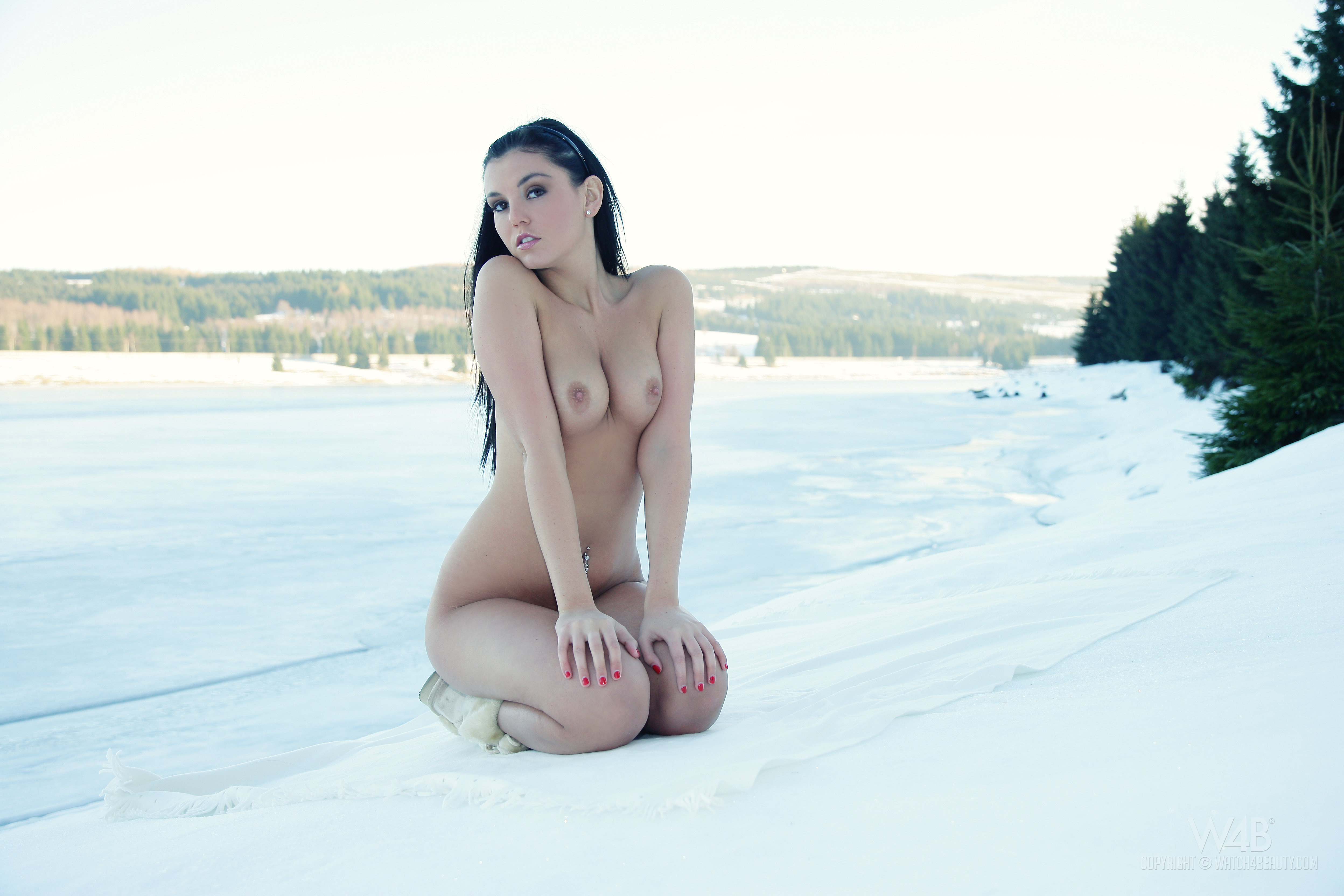 Jeri tits in the snow naked